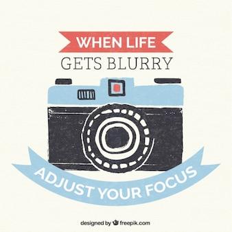 pintados lettering câmera do vintage mão com uma citação positiva