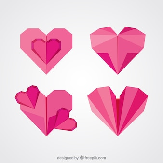 Quatro corações vermelhos do origami