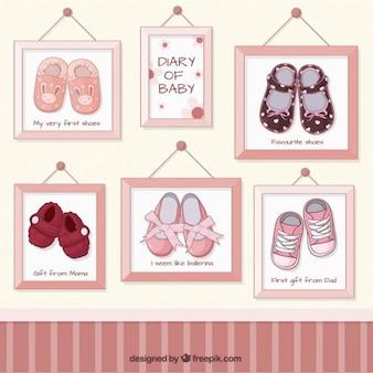 Sapatas de bebê de imagens em quadros