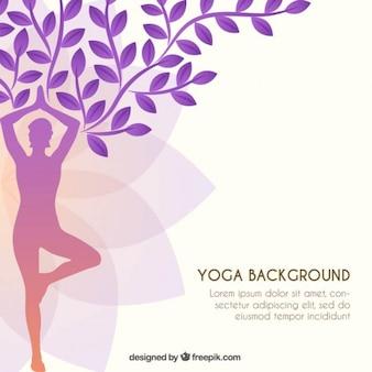 silhueta da ioga como um fundo da árvore