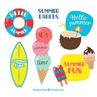 Várias etiquetas de verão coloridas