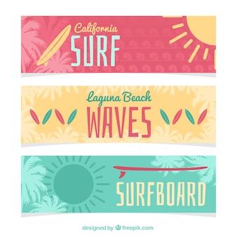 Variedade de bandeiras bonitos de surf