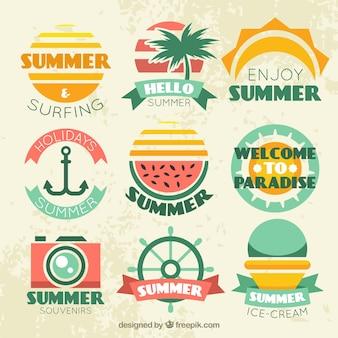 Variedade de grandes adesivos de verão em design plano