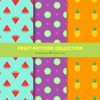 Vários padrões planos com frutos coloridos