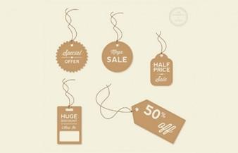 Vendas e etiquetas de preço de desconto com cordas