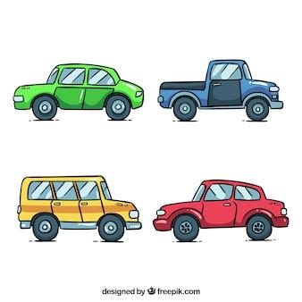 Vista lateral de quatro carros em diferentes cores