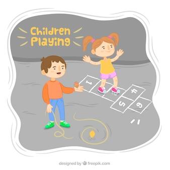 Bambini felici che giocano al tempo di pausa