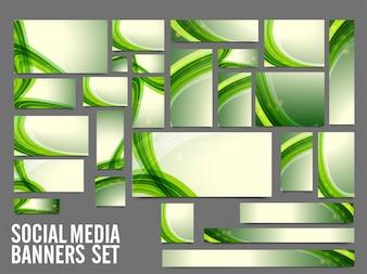 Banner Social Media con strisce ondulate verdi.