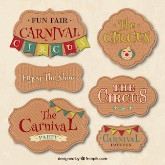 Carnevale e distintivi circo