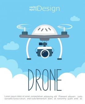 Concetto del drone volante con la fotocamera.