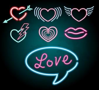 Design leggero al neon con diverse forme di cuore