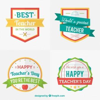Distintivi giorno della bella insegnante colorato d'epoca