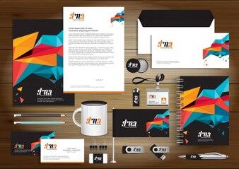 Identità aziendale digitale di tecnologia, disegno dei modelli di articoli da regalo con elemento concettuale del set di link. Disegno della carta di struttura di vettore