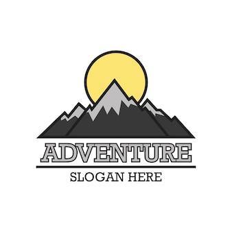 Logo di avventura con spazio di testo per il tuo slogan