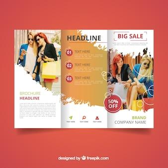 Modello di brochure di vendita Trifold