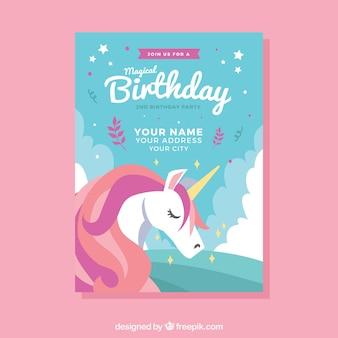 Modello di compleanno con un unicorno carino
