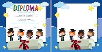 Modello di diploma e bordo con bambini felici in abito di laurea