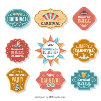 Nove distintivi di carnevale