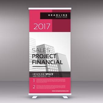 Pulito moderno pink persona in piedi rimboccarsi modello di design di banner