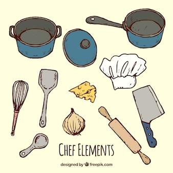 Raccolta di pentole e altri utensili da cucina