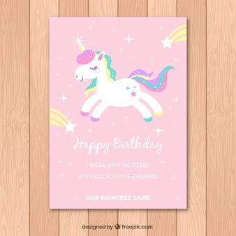 Scheda di compleanno rosa con unicorno bianco