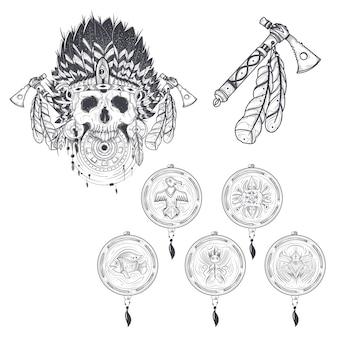 Set di modelli vettoriali per un tatuaggio con un teschio umano in un cappello di piume indiano, tomahawk e vari cacciatori di sogno