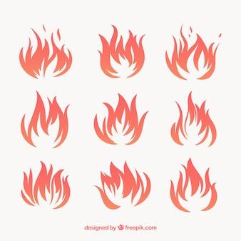 Set di nove fiamme del fuoco con varietà di disegni
