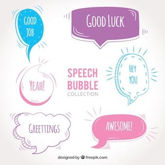 Set di palloncini di dialogo disegnati a mano con i messaggi