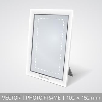 Vector isolato cornice fotografica in prospettiva. Fotogramma realistico in piedi sulla superficie con ombra.