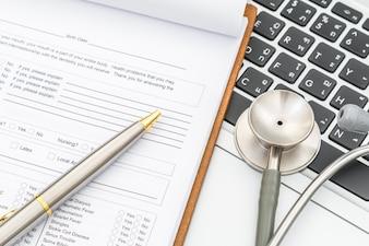 Achtergrond blanco papier geneeskunde bureau