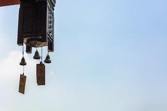 Aziatische lamp van een gebouw
