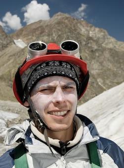 Bergbeklimmer tijdens hard trainen