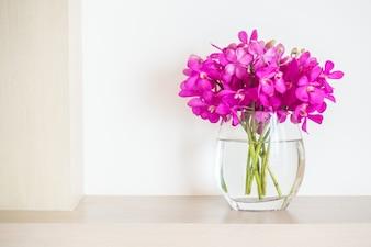 Bloempot met bloemen