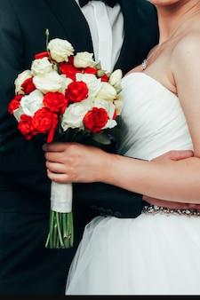 Bruiloft natuur pioenen up roos