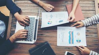 Corporate Business Planning met zakelijke grafiek Teamwork Concept