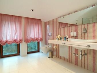 Badkamers voor mannen en vrouwen schetst teken iconen gratis download - Mode badkamer ...