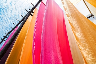 Droge doek riotous met kleurverven