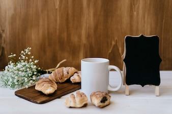 Elegant ontbijt met badge