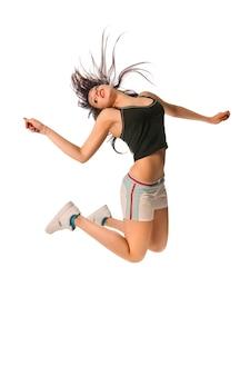 Fit meisje met hoge springen