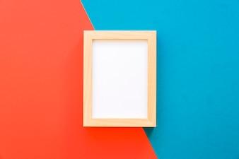 Frame op blauwe en rode achtergrond