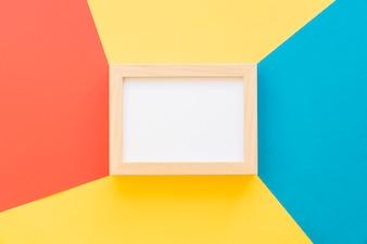 Frame op creatieve kleurrijke achtergrond