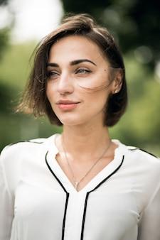 Gelukkig portret leven close-up dragen van vrouwen