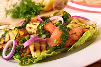 Gerookte Zalmsalade Met Groenten