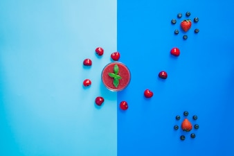 Grappige rode vruchten samenstelling