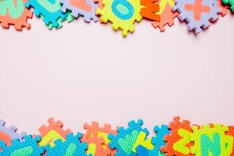 Heldere puzzels voor kinderen op wit