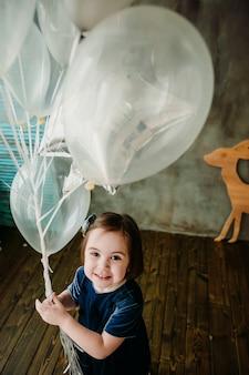 Kiddy vectoren foto 39 s en psd bestanden gratis download for Kamer klein meisje
