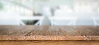Houten tafel met ongericht achtergrond