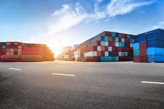 Industriële haven en container werf