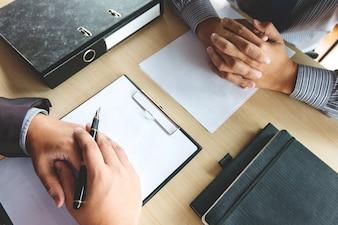 Job interview met human resource manager in kantoor