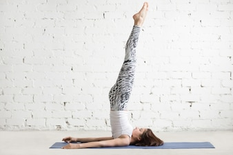Yoga vectoren foto 39 s en psd bestanden gratis download - Saint maclou pose gratuite ...